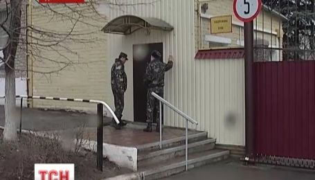 На Донеччині блокують збройні склади, аби зброя не дісталась майданівцям