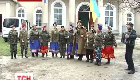 """""""Лисапетный батальон"""" из Хмельницкой области объявляет мобилизацию женщин"""
