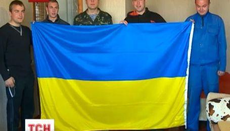 У майже полоні опинились 19 членів екіпажів навчальних кораблів України