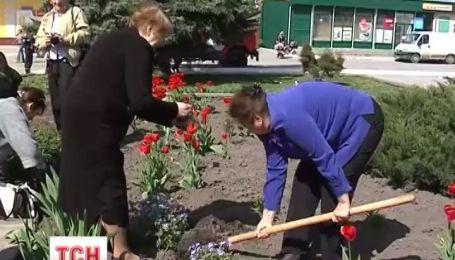 Двум убитым на Майдане молодым ребятам посвятят площадь цветов