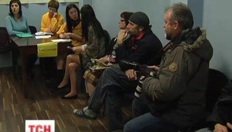 Жителі Криму продовжують переїжджати до материкової частини України