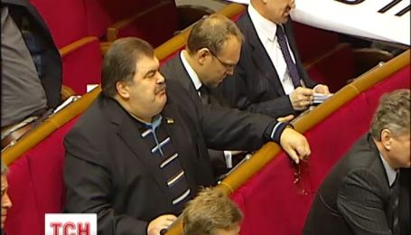 На Ярему и Бондаренко подали в суд за их мандаты