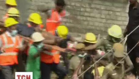 Кількість жертв обвалення 11-поверхової будівлі в Індії збільшилася до 19 осіб