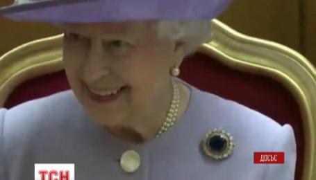Елизавета II во время визита во Францию будет ездить на музейном авто