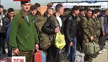 82 феодосийских морпеха покинули полуостров