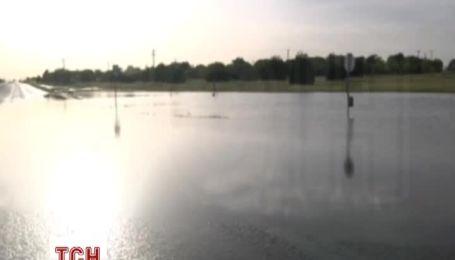 Раптова злива в Техасі затопила цілі містечка