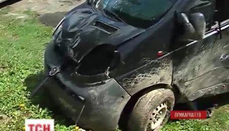 У Прикарпатті мікроавтобус збив на смерть 15-річну дівчину