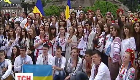 На Сході і в Криму довелося відмовитися від параду вишиванок