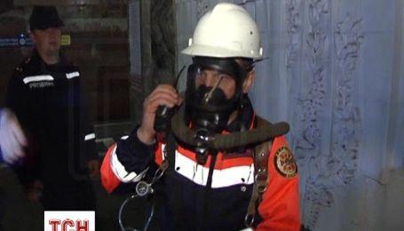 """Рятувальники """"підпалили"""" метро, щоб випробувати нове обладнання"""