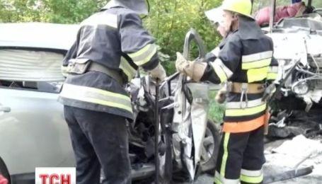 Четверо людей загинуло в аварії на Хмельниччині