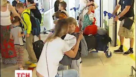 20 детей могли не вернуться с отдыха из-за границы