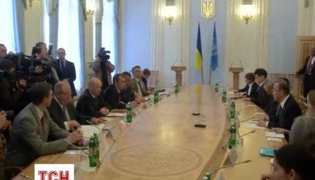 Турчинов и Пан Ги Мун обсудили аннексию Крыма