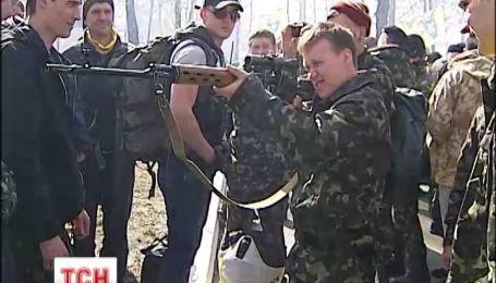 """Активисты """"Правого сектора"""" считают, что милиция хочет контролировать майдановцев"""