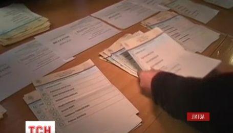 В Литве завершился первый тур президентских выборов
