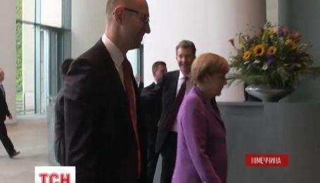 Яценюк відбув до Німеччини з дводенним візитом