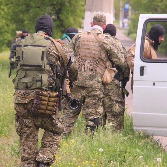 Терористи в Слав'янську  5 травня