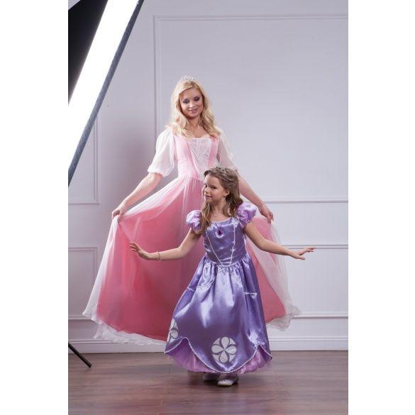 Таран з донькою в образі принцеси