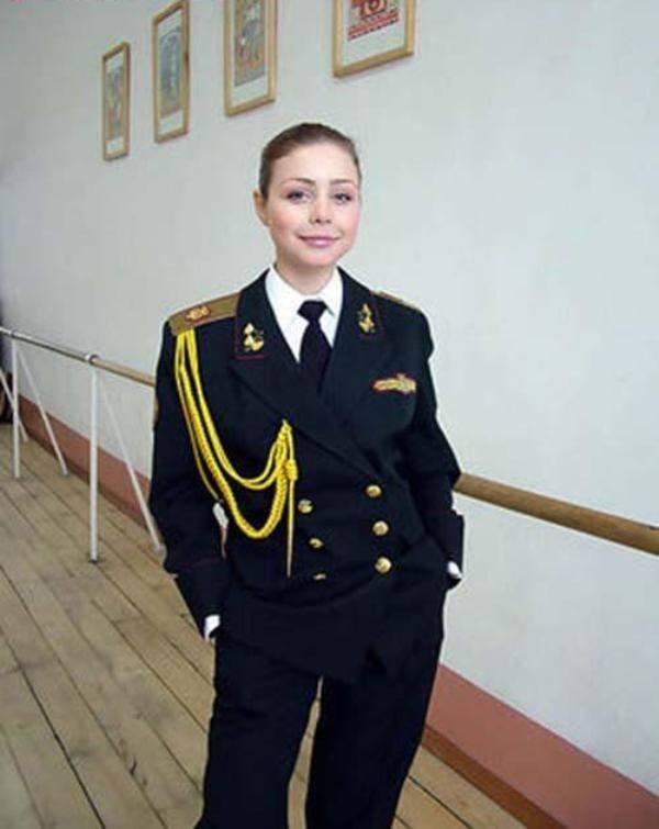 Тіна Кароль у військовій формі