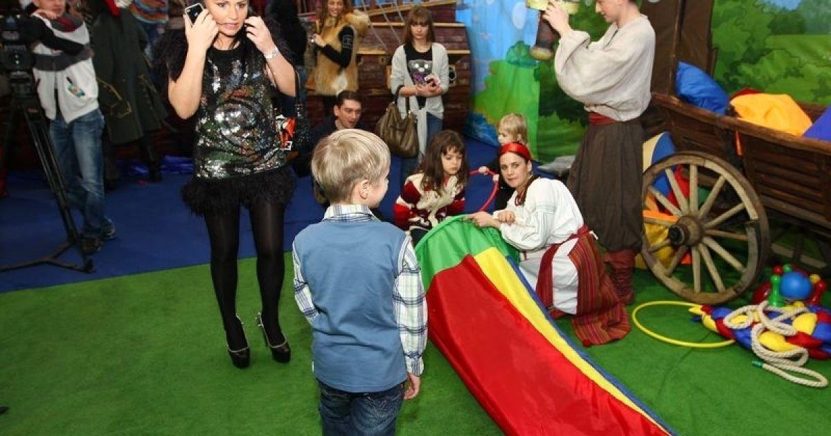 Ірена Кільчицька з дітьми @ gazeta.ua