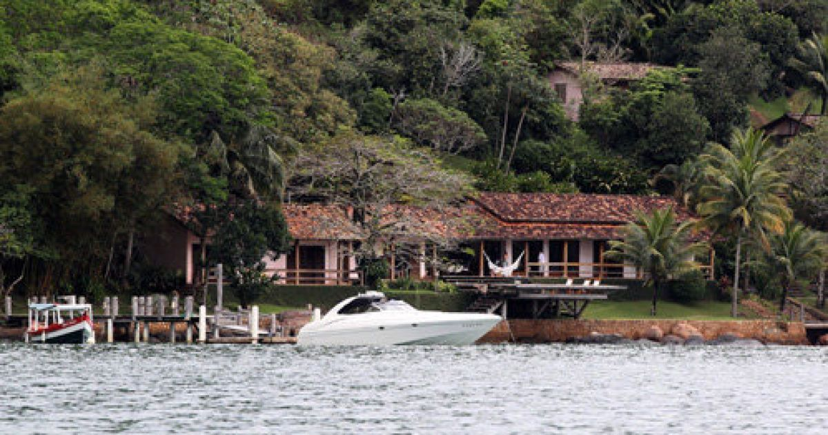 Картина знімалася в будинку на узбережжі муніципалітету Параті, штат Ріо-де-Жанейро