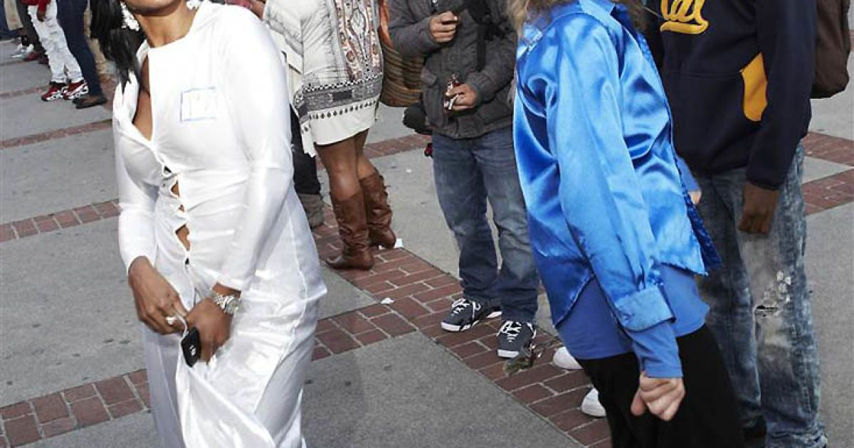 Наймасовіший танець Soul Train відбувся у Берклі, Каліфорнія. @ Guinness World Records