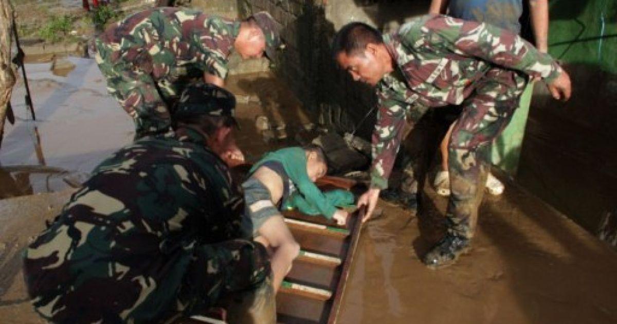 Сотні людей вважаються зниклими безвісті @ AFP
