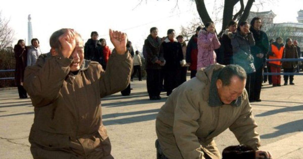 Мешканці КНДР побиваються за покійним вождем @ AFP