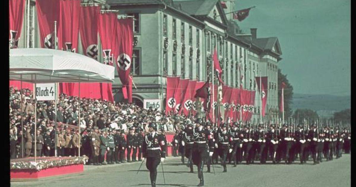 Раритетні фото Гітлера часів розквіту фашистської Німеччини @ life.com