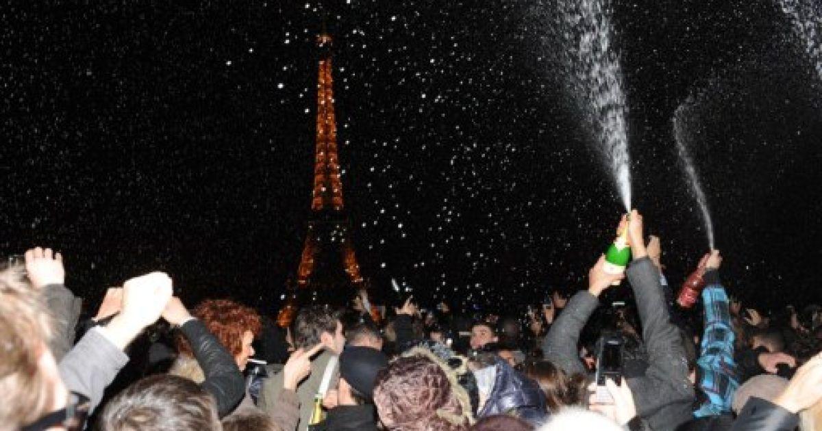 Зустріч Нового року. Париж @ AFP