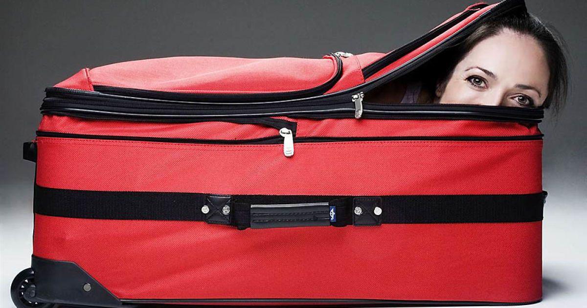 Леслі Тіптон вдалося залізти до валізи за рекордні 5,43 секунди @ Guinness World Records