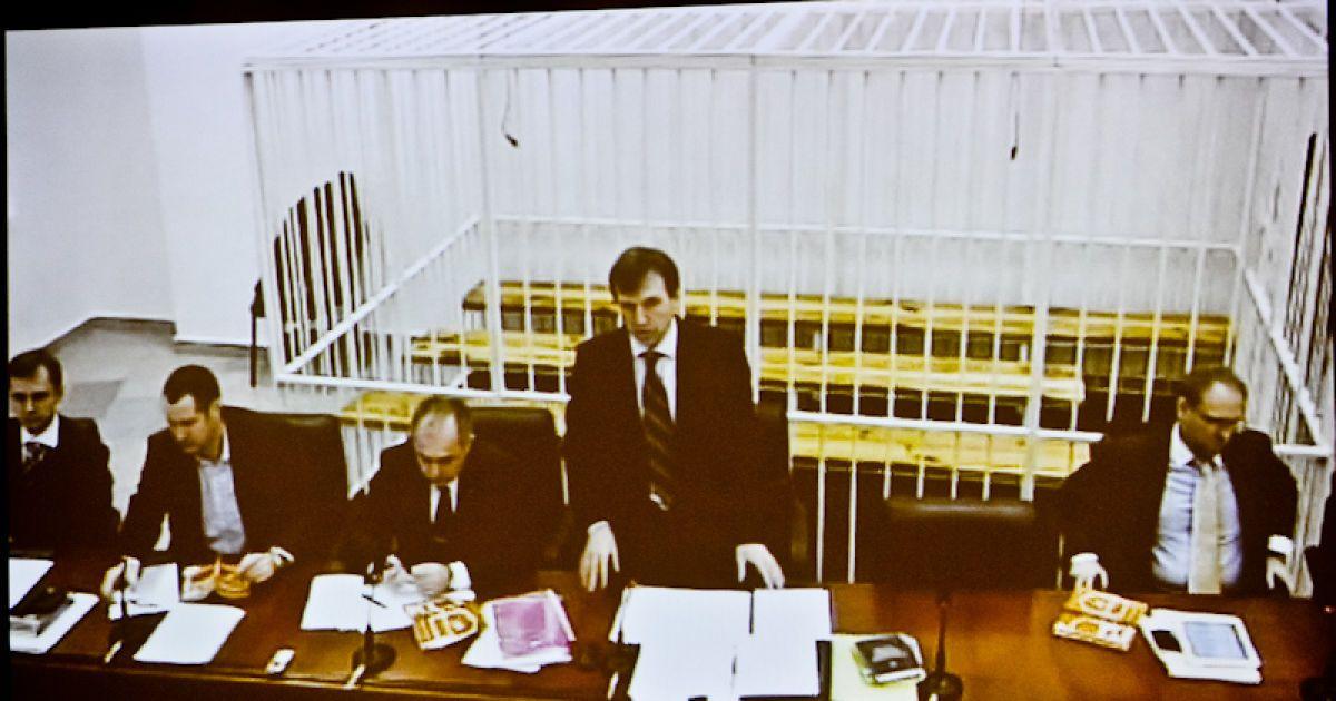 Власенко просить суддю не боятись і відпустити Тимошенко @ Євген Малолєтка/ТСН.ua