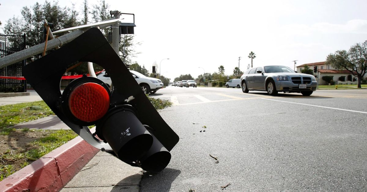Американське місто Пасадена у штаті Каліфорнія опинилося в епіцентрі сильного урагану. @ gazeta.ua
