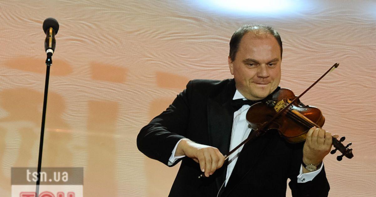 Кулиняк виявився віртуозним скрипалем @ Євген Малолєтка/ТСН.ua