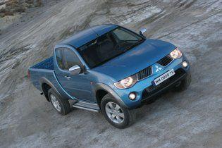 Донецкие чиновники под шумок накупили машин больше чем на миллион
