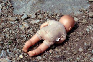 Мати задушила 11-місячного сина і розмістила фото його трупа на Facebook