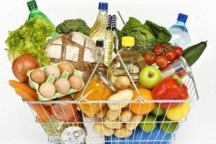 Половина магазинів Києва продають зіпсовані небезпечні продукти