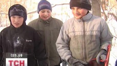 Чем сильнее мороз - тем больше школьников уходят на внеплановые каникулы