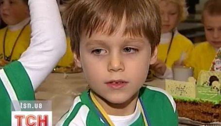 5-летнего Славика Суркиса посвятили в футболисты