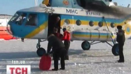 Крымские спасатели помогли морякам в обледеневшем море