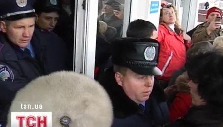Штурм Донецкой облгосадминистрации