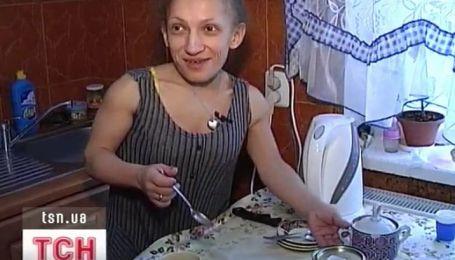90-сантиметровая женщина родила здорового ребенка