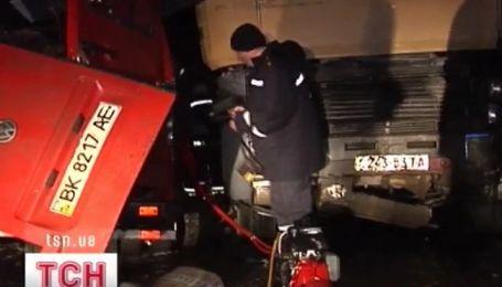 Семь человек погибли от столкновения маршрутки и грузовика на въезде в Ровно