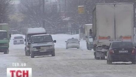 Из-за морозов и метелей в Украине проблемы с транспортом