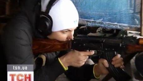 Яна Клочкова вооружилась