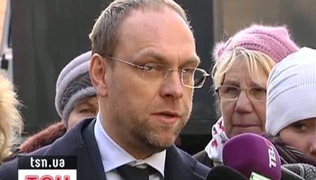 Власенко розповів, як слідчі 6 годин дивлися в тарілку Тимошенко