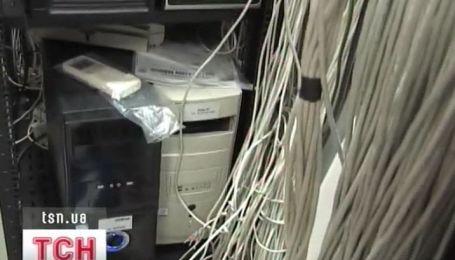 Сотрудники СБУ разоблачили фирму, которая торговала базами данных государственных органов