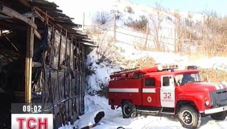 На Луганщине шахтеры-спасатели не могут потушить пожар в шахте