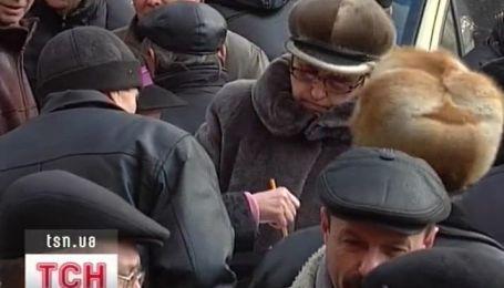 Инвалиды-чернобыльцы снова митингуют
