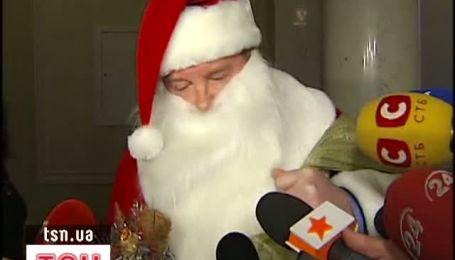 До Верховної ради завітав Дід Мороз