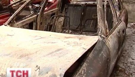 Инспектор ГАИ едва не сгорел заживо в собственном авто